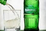 Вода со стаканом