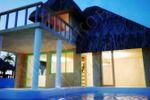 Дом в бассейне