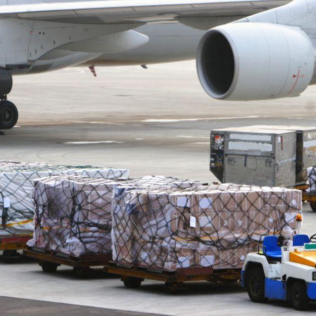 Авиационные грузоперевозки и их преимущества