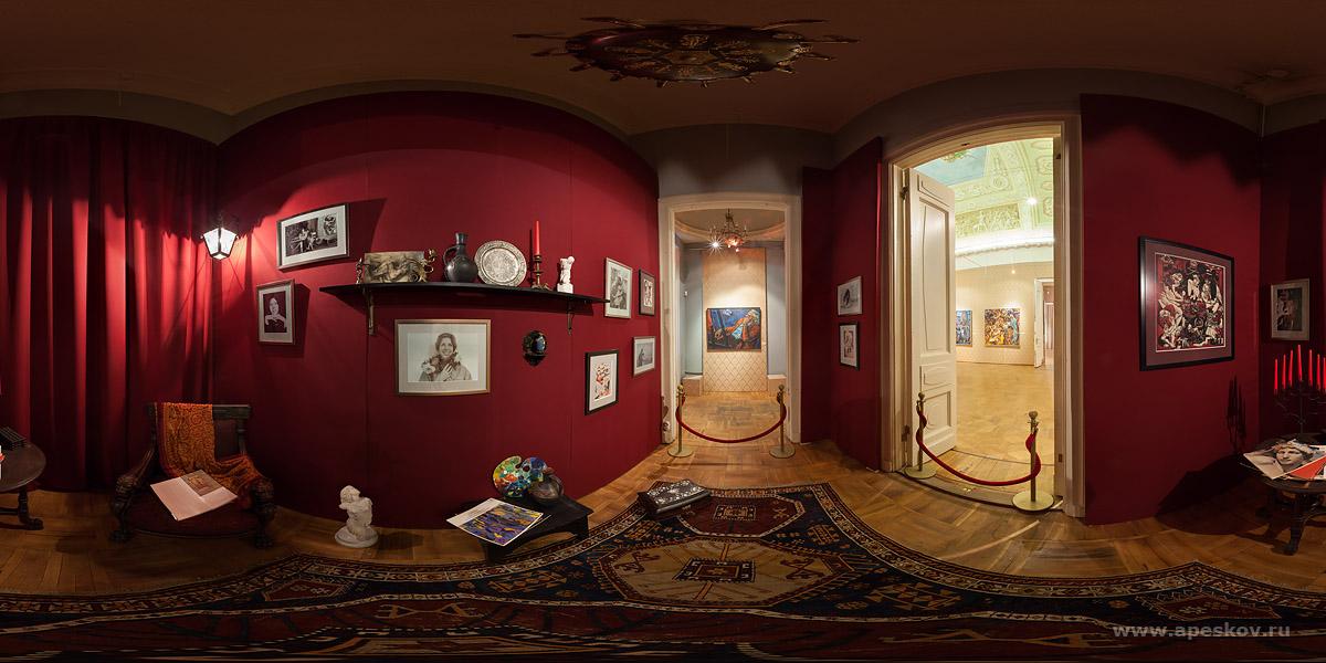 Панорама зала в Государственном музее Востока.