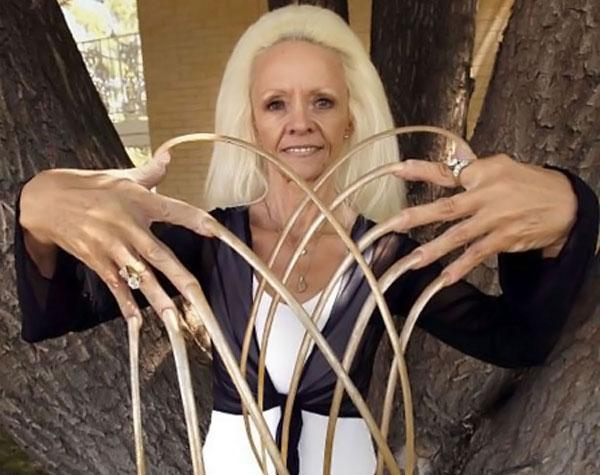 Обладатели самых длинных ногтей