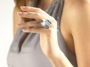 О чем говорят женские кольца, их особый язык