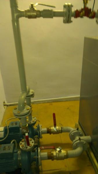 Система оборотного водоохлаждения оборудования в литейной цехе.