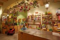 Интерьер магазина подарков