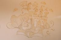 """Роспись стен в классах детского центра """"Развитие""""."""