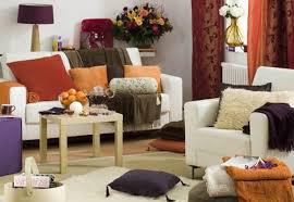 5 способов быстро освежить гостиную осенью