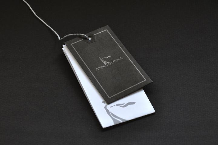 Дизайн бирки для бренда одежды