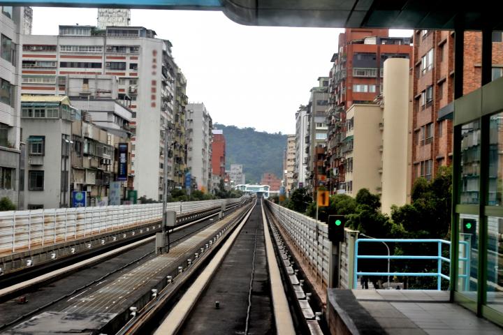 Наземные рельсы метро Тайваня