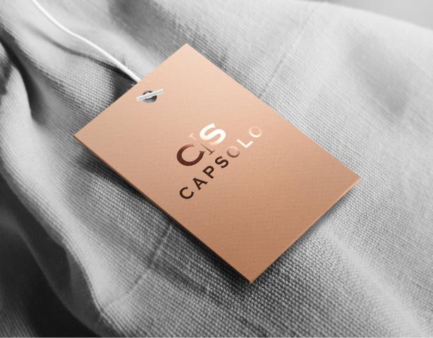 Название и логотип бренда одежды и аксессуаров CAPSOLO