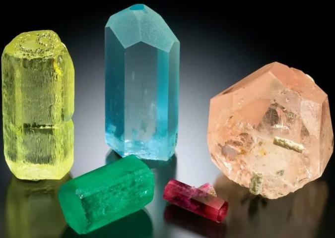 Красивейшие кристаллы